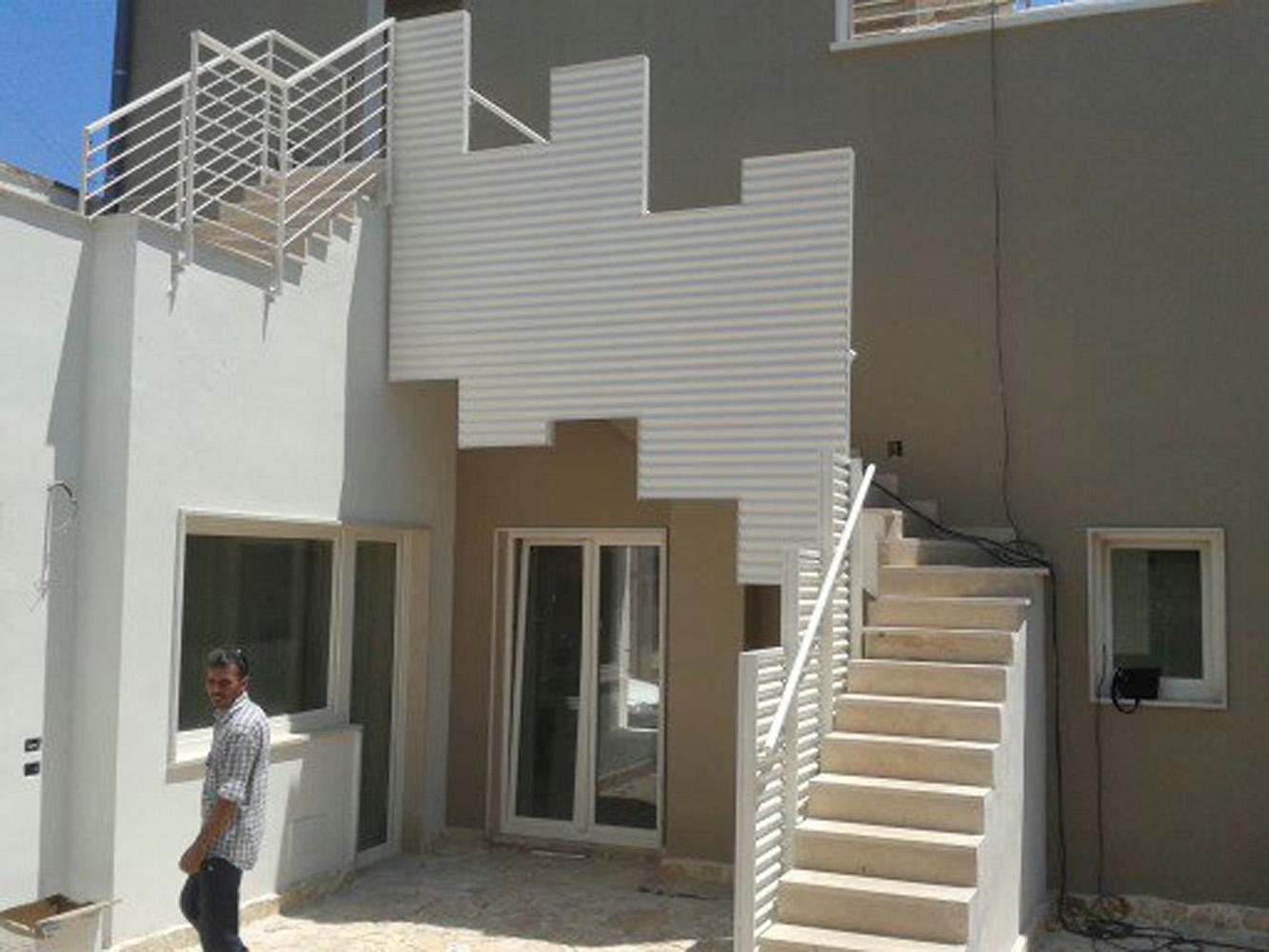 Parapetti scale esterne in alluminio a Bari, Brindisi e in Puglia