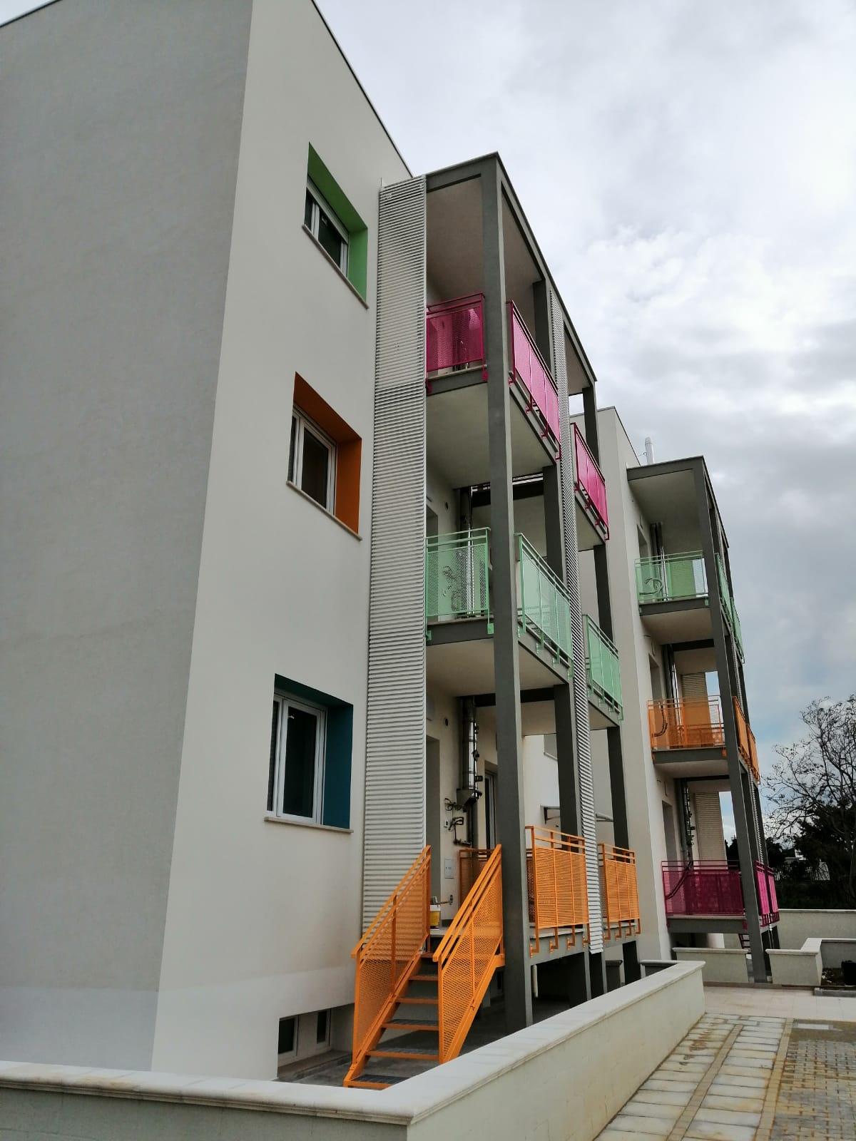 Coperture frangisole per balconi con lamelle in alluminio - Bari, Brindisi, Puglia - 4