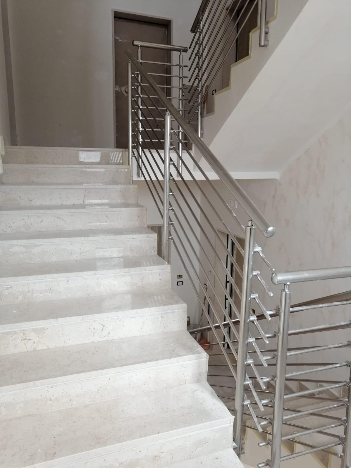 Ringhiera per scale interne condominio - Bari, Brindisi e in Puglia. - 2
