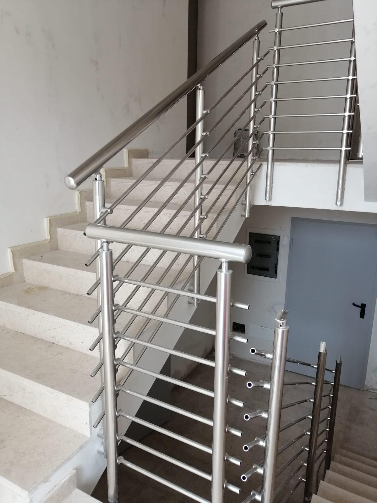 Ringhiera per scale interne condominio - Bari, Brindisi e in Puglia. - 4