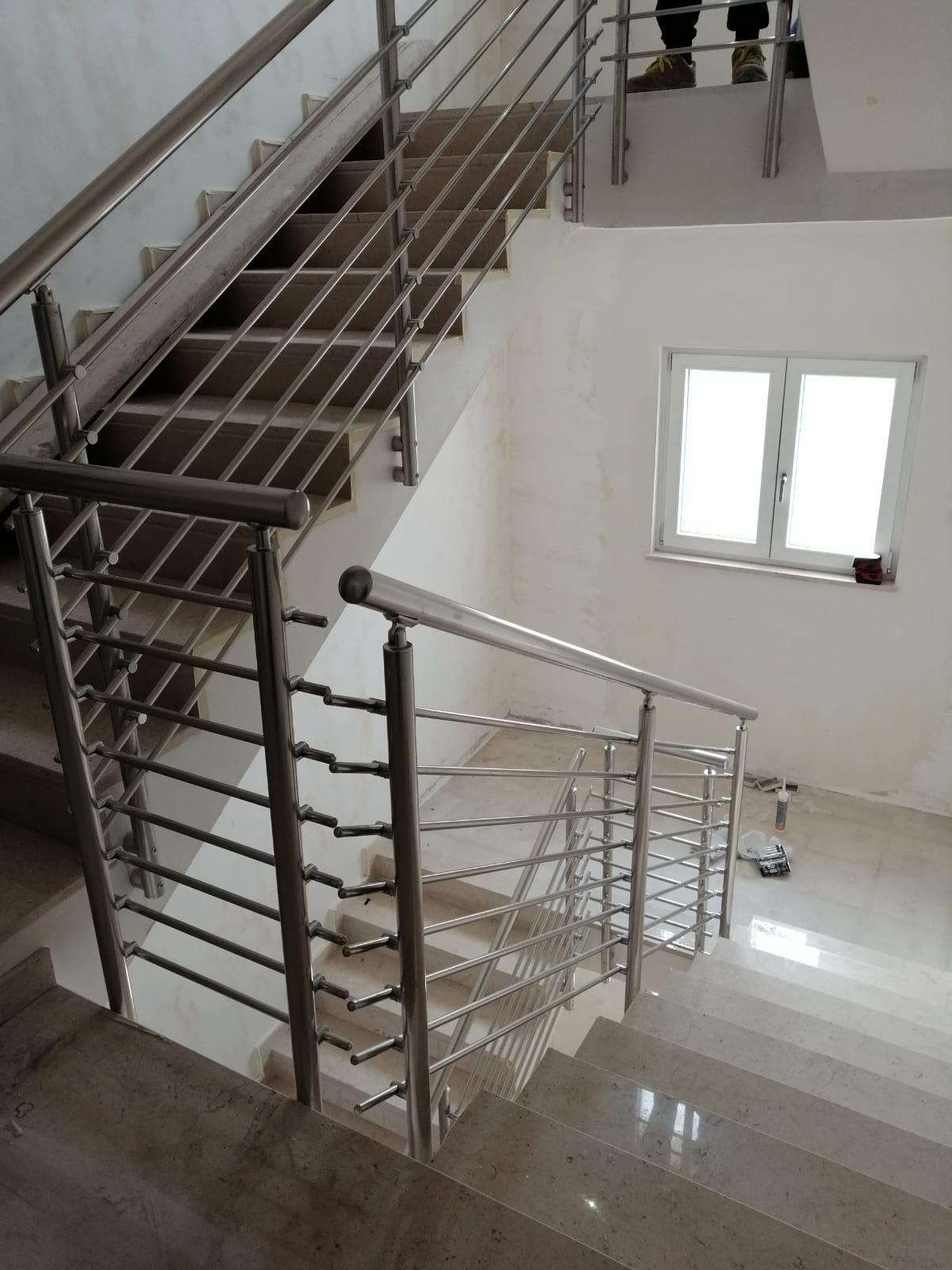 Ringhiera per scale interne condominio - Bari, Brindisi e in Puglia. - 5