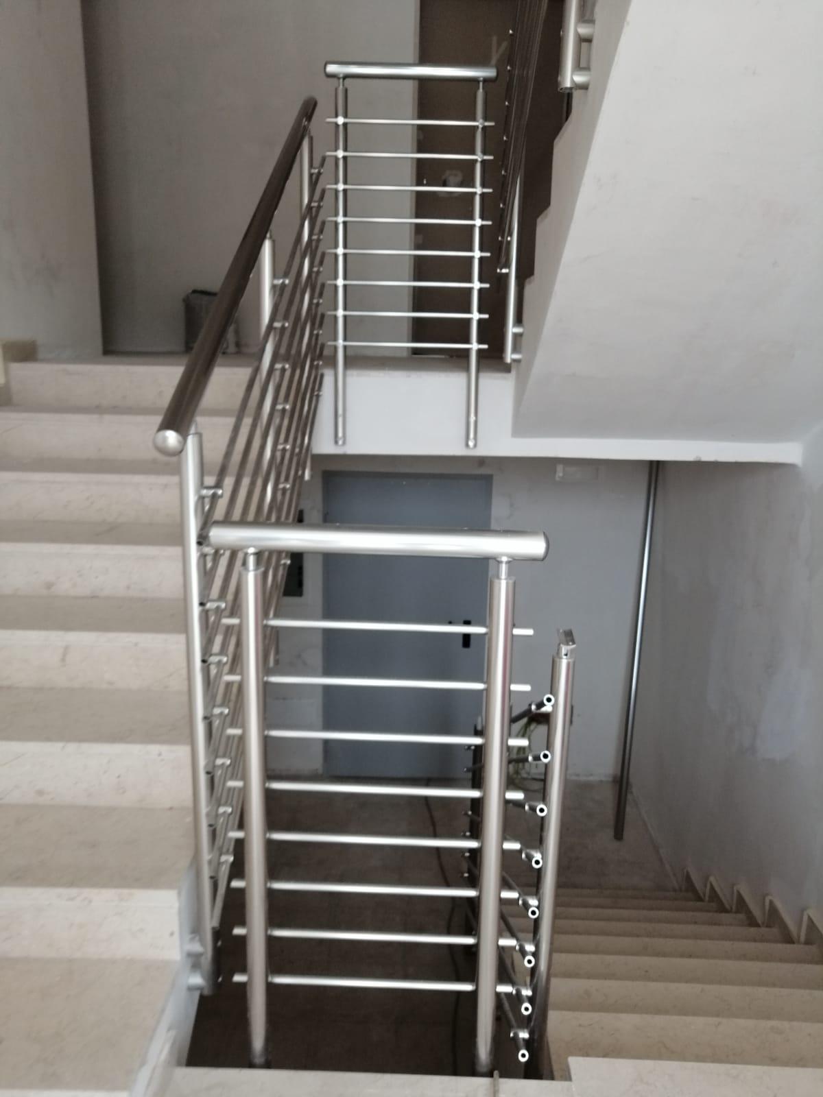 Ringhiera per scale interne condominio - Bari, Brindisi e in Puglia. - 6