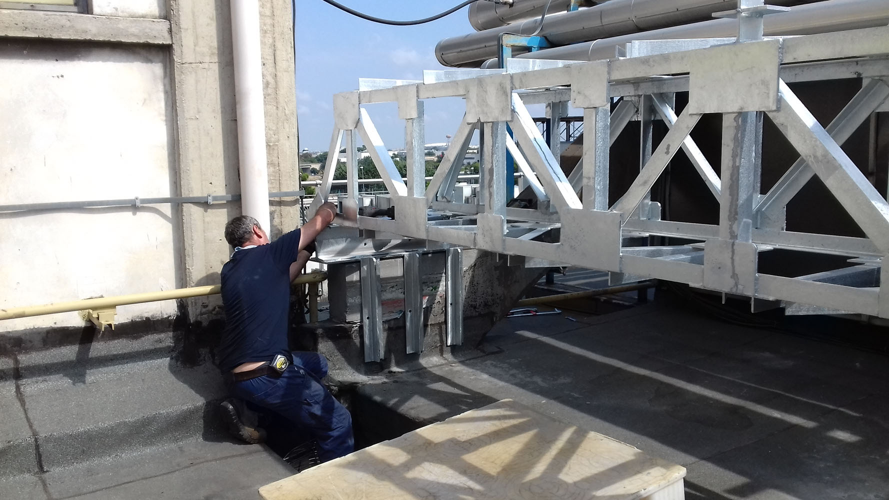 Tralicci di sostegno in acciaio zincato - Bari, Brindisi, Puglia